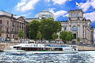 Berlin boat Tour in Berlin Mitte