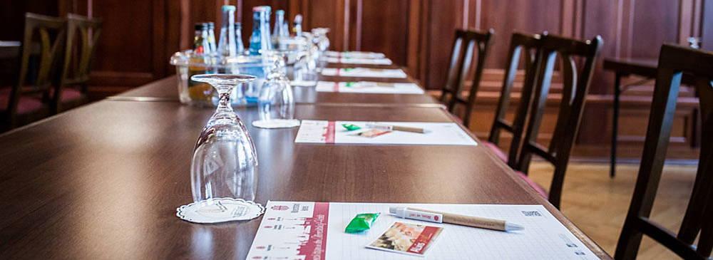 Hotel Albrechtshof - Bankettsaal Tagung parlamentarisch