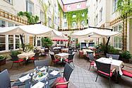 Oase in Berlin Mitte der Hofgarten vom Restaurant ALvis