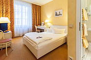 Single room with french bed of Hotel Albrechtshof in Berlin Mitte